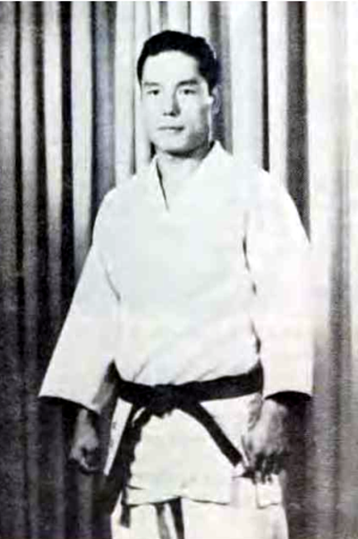 The late Eisaku 5akabe (brother of Professor Y. Sakabe)