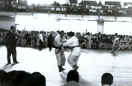 Sensei Eiko Saito competing at the Kodokan